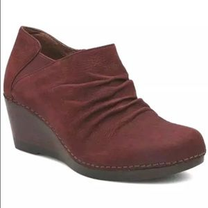 NEW 11 / 41 Dansko Sheena Maroon Slouchy Boot